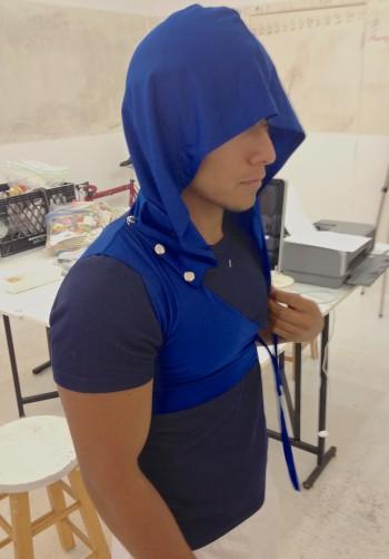 Avant-garde half-hoodie