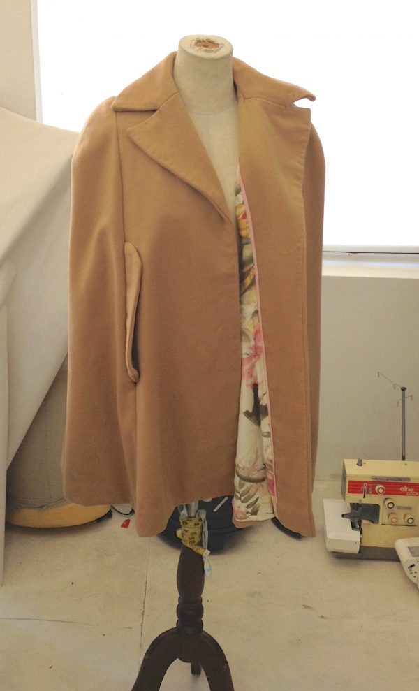 sewing classes in Chicago: tchad: Ying: cashmere: cape: simplicity: 6680: cape on form