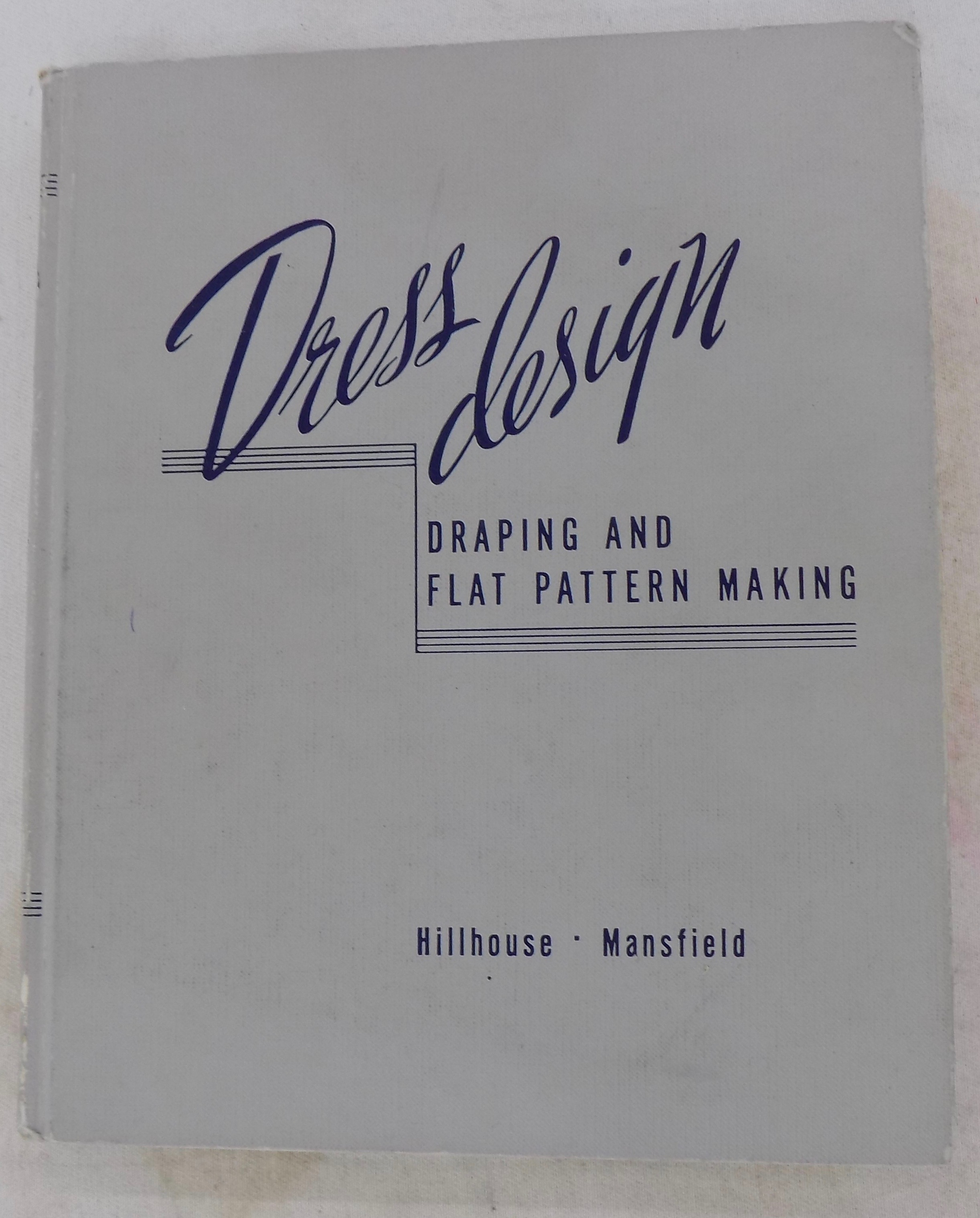 Sewing classes in Chicago: tchad: workroom: studio: books: dress design: millhouse: mansfield: draping: flat pattern: pattern making