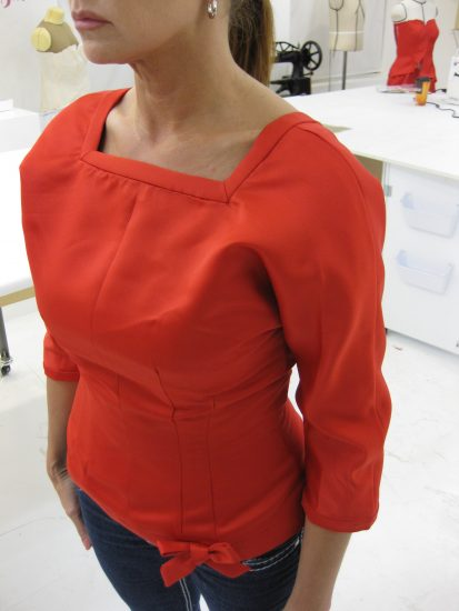 Sewing classes in chicago: tchad: workroom: studio: Debbie permoda: butterick 5557: front #2