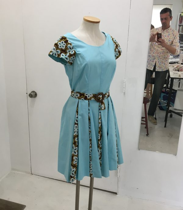 Sewing Classes Chicago | Tchad | Workroom | Sewing Studio | Erin Benoit | McCalls #6834 | First Projects | dress form photobomb