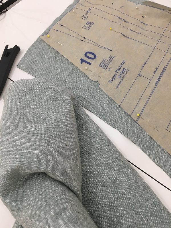 sewing classes in Chicago | Tchad | Oak Fabric | Linen | Robert Kaufman | vogue #1350